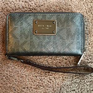 Michael Kors Authentic Wristlet Wallet